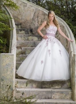 Bridal Star Trouwjurk model Bovino